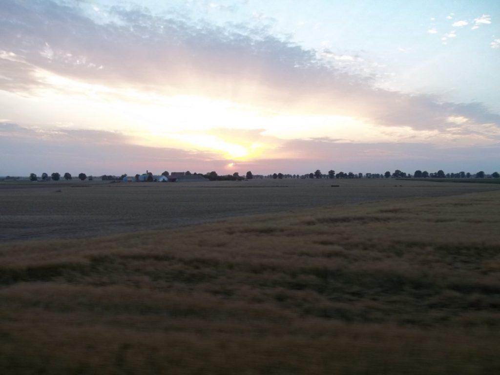 I na koniec przepiękny zachód słońca widziany z pociągu relacji Gdańsk - Gniezno