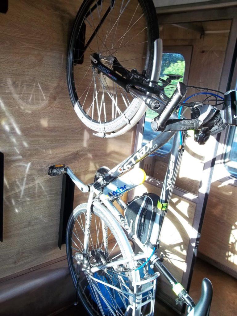 Przedział rowerowy w TLK